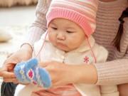 Qui tắc mặc đồ cho trẻ sơ sinh mùa đông: 'Bốn ấm một lạnh'