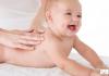 Massage cho trẻ trước hay sau khi tắm